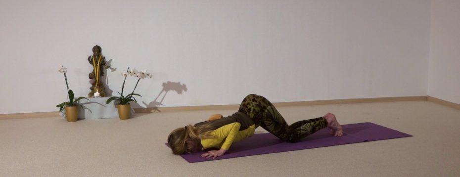 Hanumanasana Yoga Class With Elke And Jana